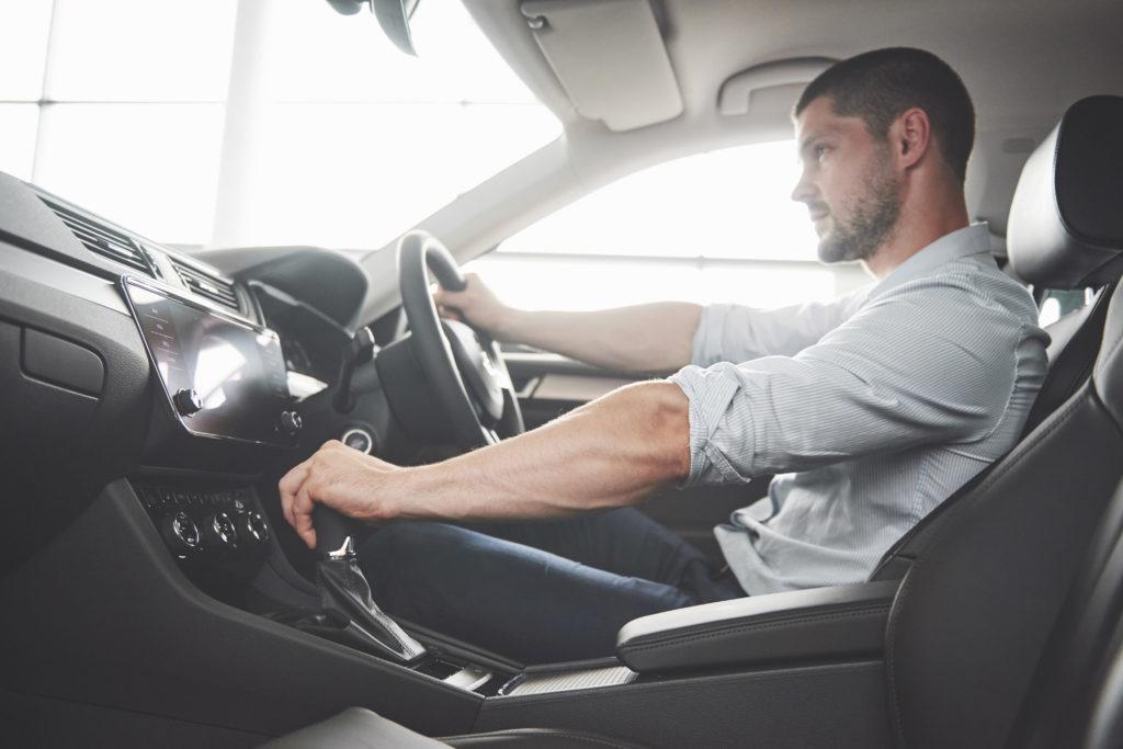 Как влияет стаж вождения на стоимость ОСАГО